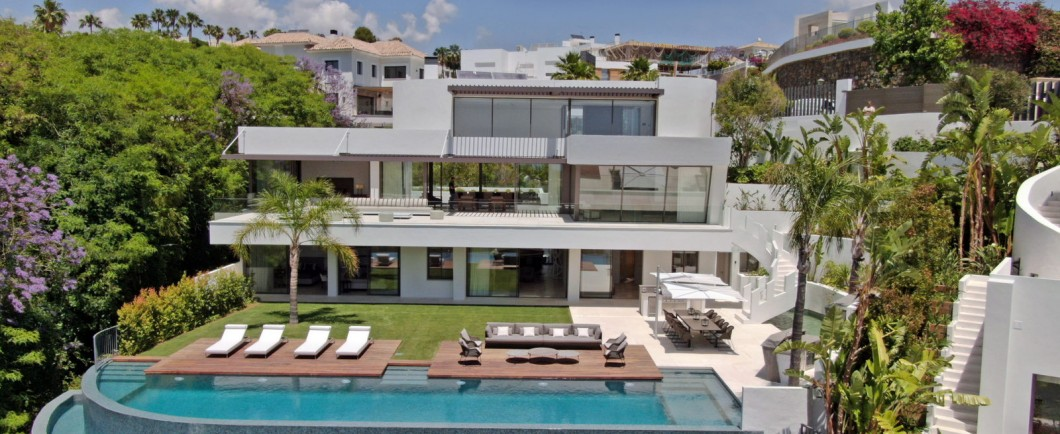 Brand-new-six-bedroom-villa-for-sale-with-sea-and-golf-views-Marbella-West-DJI-405